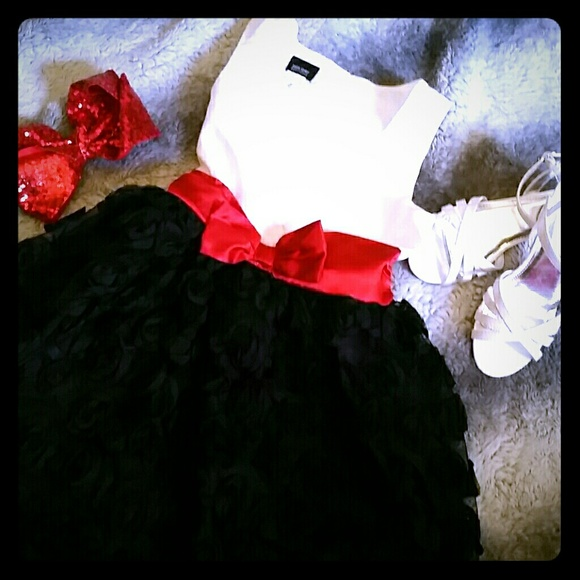 468024f758ab Holiday Editions Other - Beautiful girls holiday dress. Black, white, red.